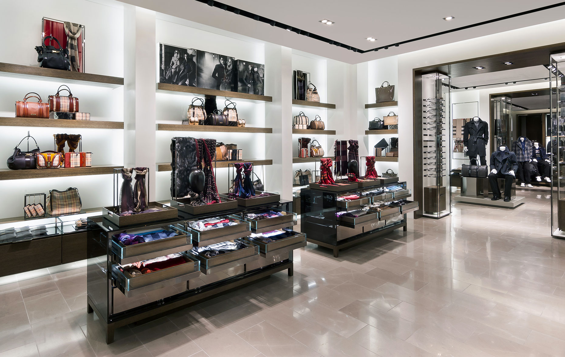 Burberry-valley-fair-store.jpg